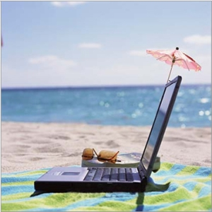 http://2.bp.blogspot.com/-zkXN8X8kmuY/T1kJjpWjYVI/AAAAAAAABMI/dNVmJKcpeVs/s640/laptop_on_the_beach.jpg